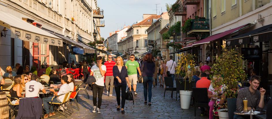 Kaunas er en dejlig by med masser af caféer, restauranter, shopping, seværdigheder og atmosfære.