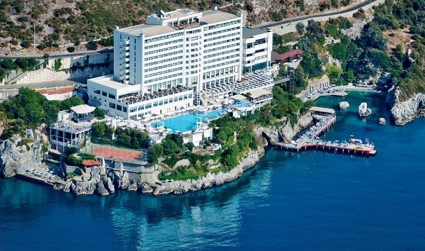 Hotel udefra x