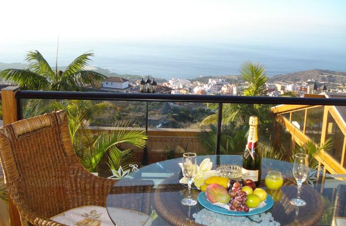 Hotellet ligger i den maleriske by Icod de los Vonos med fantastisk udsigt over Atlanterhavet