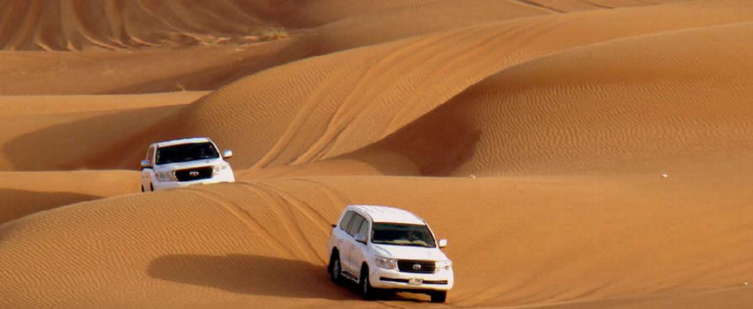 Dune Blashing - eller ørkensafari - i store firhjulstrækkere er en oplevelse for livet